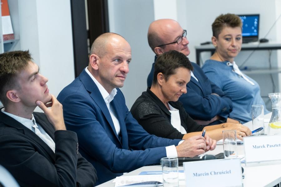 image: Pracownice Katedry Studiów Europejskich ekspertkami podczas debaty w Domu Europ...
